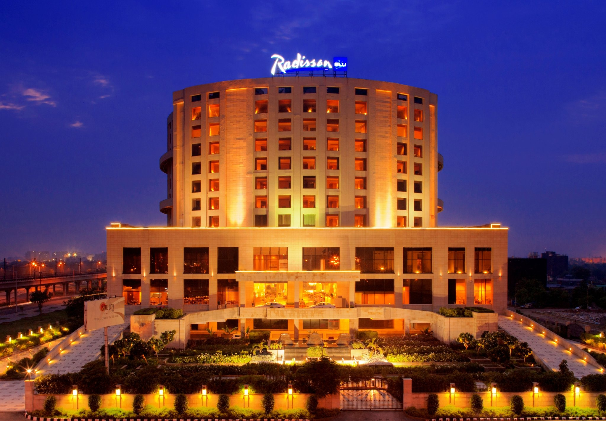 Hotels in new delhi archives india hotels travel blog for Top design hotels india