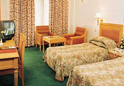 Abad Airport Hotel Kochi