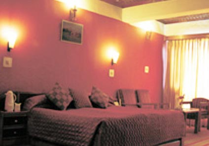 Ahdoos Hotel Srinagar