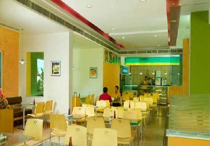 Hotel Abad Atrium Kochi