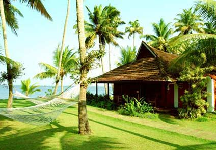 Kayaloram Lake Resort Alleppey