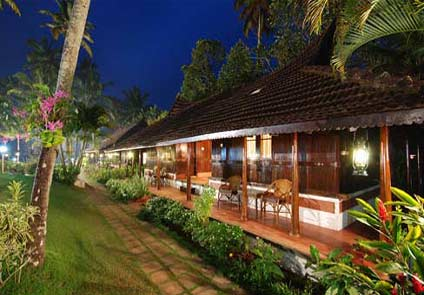 Kayaloram Lake Resort Alleppey