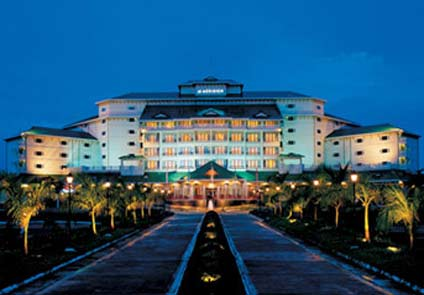 Five star hotels in kochi for Five star hotel