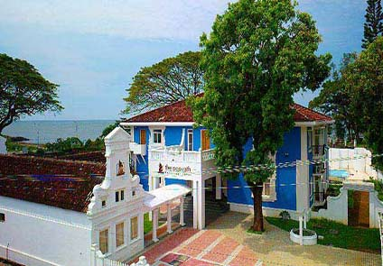 Poovath Hotel Kochi