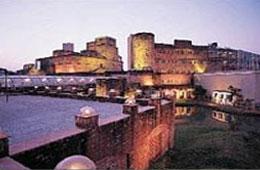 http://www.indiaprofile.com/images/hotels/west-bengal/kolkata/hotels-around-kolkata/the-fort-radisson-raichak.jpg