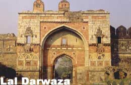 Tour to Lal Darwaza